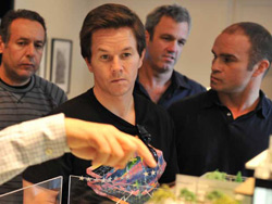 Mark Wahlberg and Tie Domi showing support for D.I.F.D.